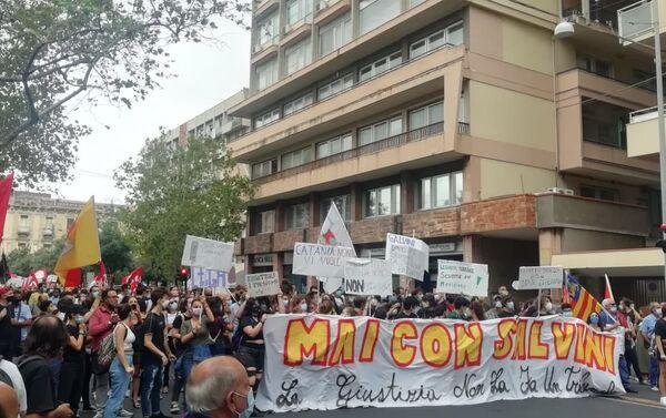 Catania, manifestazione contro Salvini - Sputnik Italia