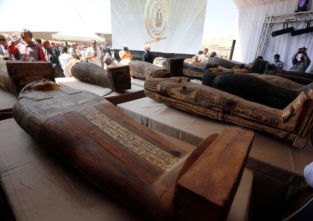 L'Egitto annuncia la scoperta di 59 antichi sarcofagi conservati in buone condizioni