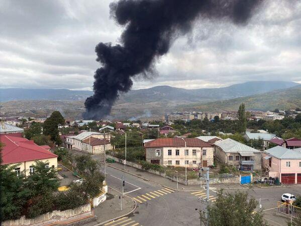 Conseguenze dei bombardamenti a Stepanakert, Nagorno-Karabakh - Sputnik Italia