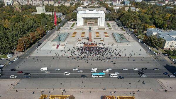 Kirghizistan, proteste a Bishkek in seguito alla pubblicazione dei risultati preliminari delle elezioni parlamentari - Sputnik Italia