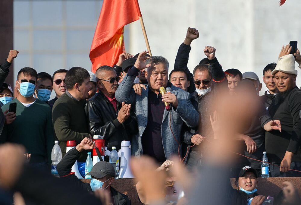 Il capo dello stato ha esortato i leader dei partiti politici dell'opposizione a tenere a freno i propri sostenitori e a contribuire al ristabilimento dell'ordine e della sicurezza