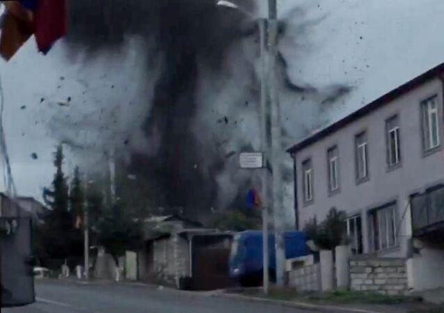 Bombardamenti a Stepanakert (foto d'archivio)