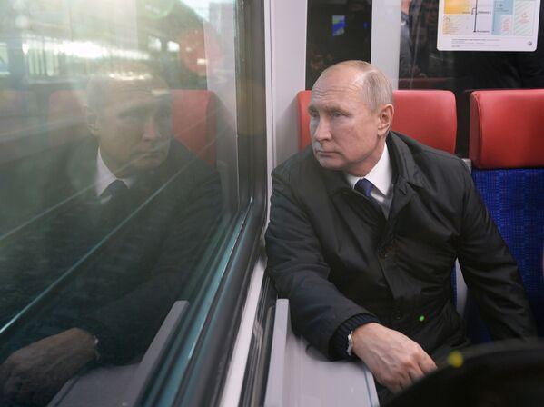 Vladimir Putin sul treno - Sputnik Italia