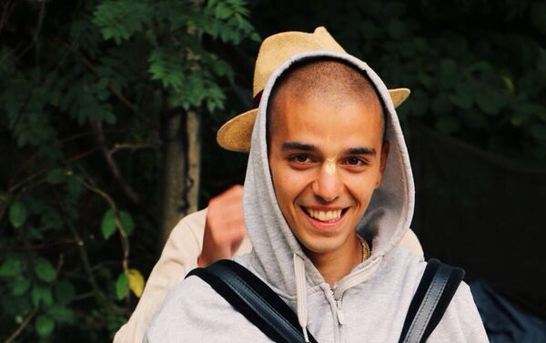 Samuele Rizzoli, di origini bolognesi, vive come monaco nel tempio di Radha-Krishna a Londra - Sputnik Italia