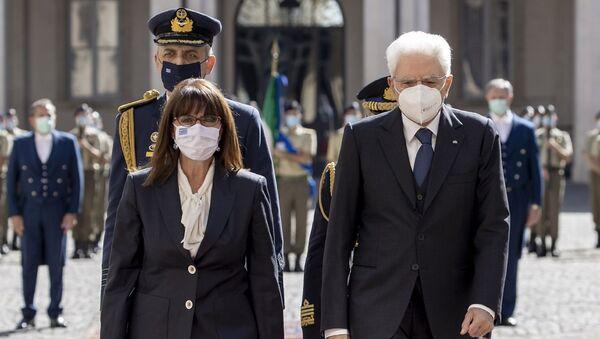 Il Presidente Sergio Mattarella con il Presidente della Repubblica Ellenica, S.E. la Signora Katerina Sakellaropoulou, in visita ufficiale - Sputnik Italia