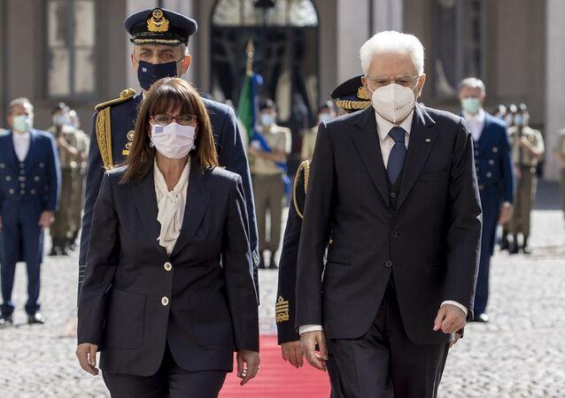 Il Presidente Sergio Mattarella con il Presidente della Repubblica Ellenica, S.E. la Signora Katerina Sakellaropoulou, in visita ufficiale