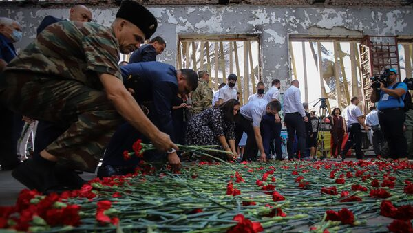A Beslan ricordano le vittime della strage, 1 settembre del 2020 - Sputnik Italia
