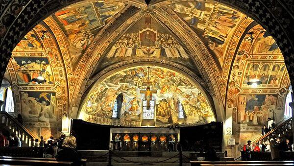 Affreschi del transetto della Basilica inferiore d'Assisi  - Sputnik Italia