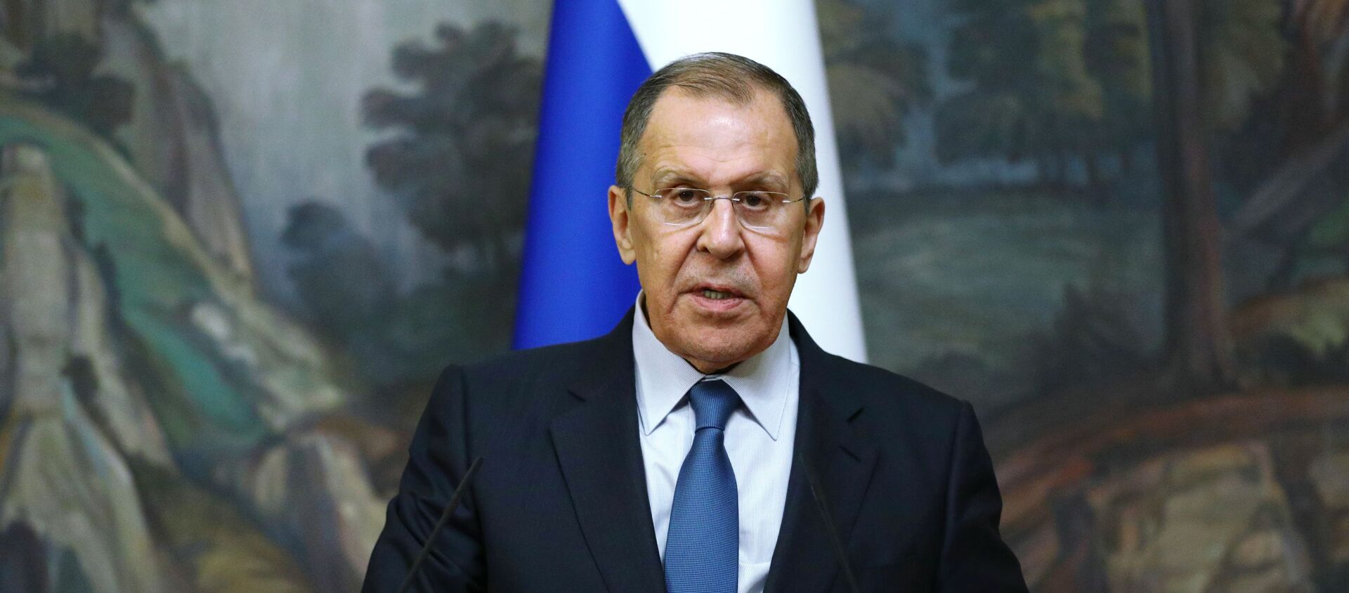 Russian Foreign Minister Sergey Lavrov delivers a joint statement after trilateral talks between Russia, Armenia and Azerbaijan over Nagorno-Karabakh ceasefire, 10 October 2020 - Sputnik Italia, 1920, 26.01.2021