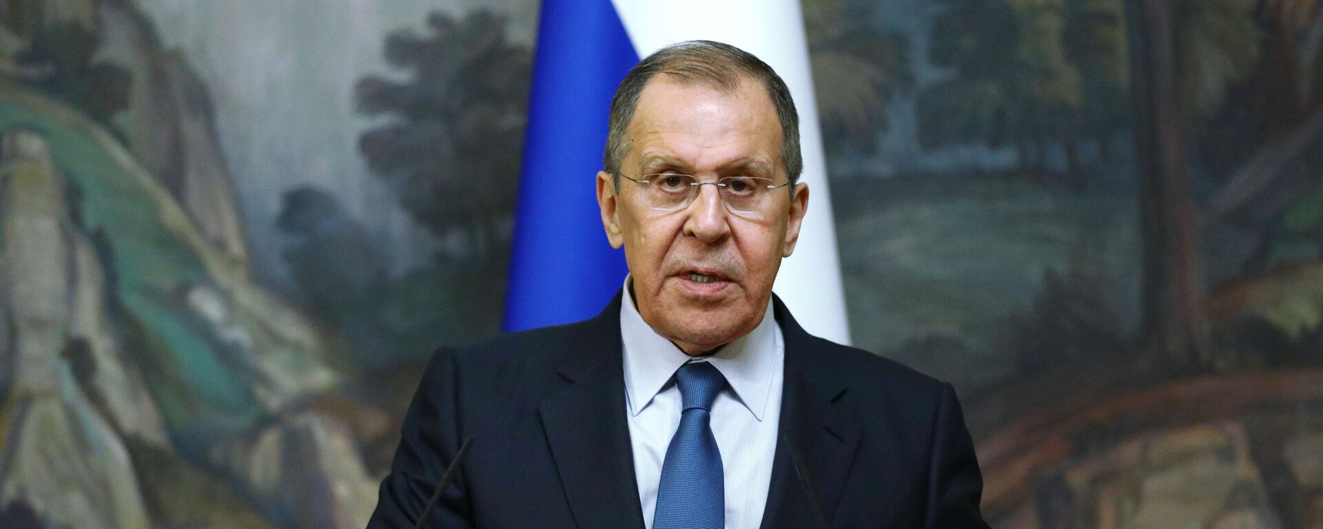 Russian Foreign Minister Sergey Lavrov delivers a joint statement after trilateral talks between Russia, Armenia and Azerbaijan over Nagorno-Karabakh ceasefire, 10 October 2020 - Sputnik Italia, 1920, 19.08.2021