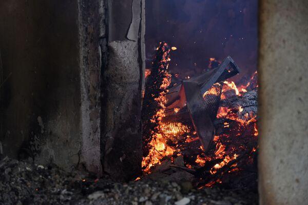 Casa a Martakert, distrutta dai bombardamenti - Sputnik Italia
