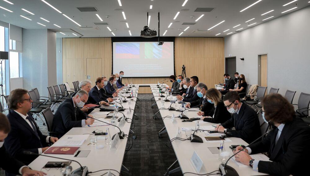 La riunione del Consiglio di Cooperazione Economica, Industriale e Finanziaria Italo-Russo