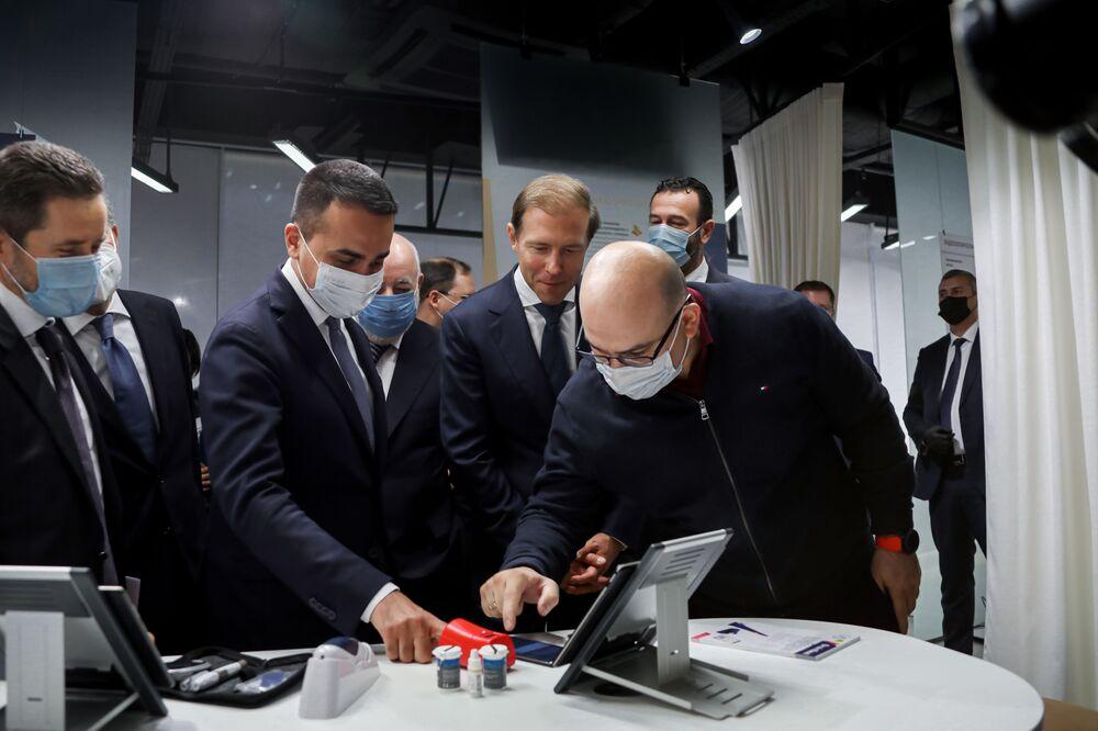 Il ministro degli affari esteri italiano Luigi Di Maio in missione a Mosca - Visita a Skolkovo
