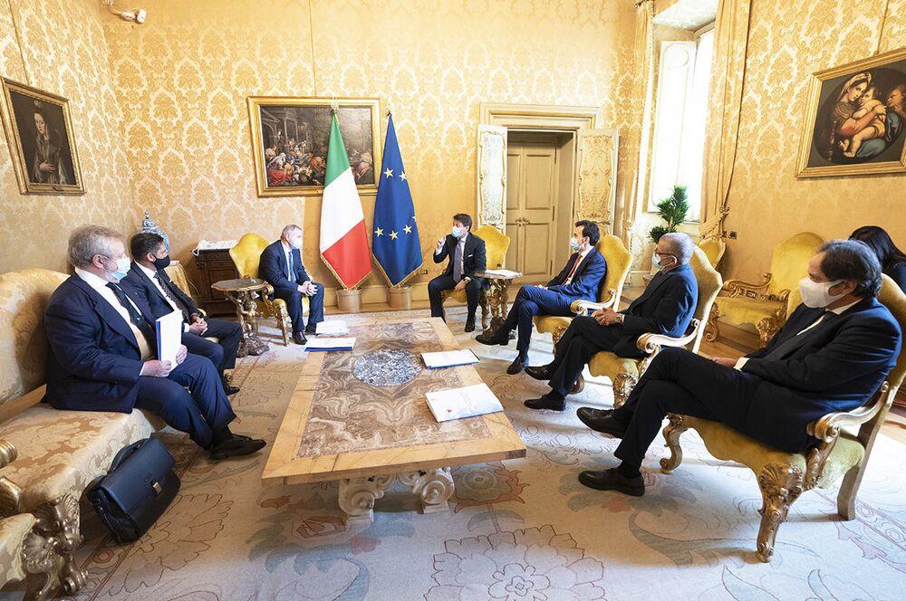 Conte ha ricevuto i rappresentanti del comparto ristorazione di Fipe-Confcommercio a Palazzo Chigi, 15-10-2020