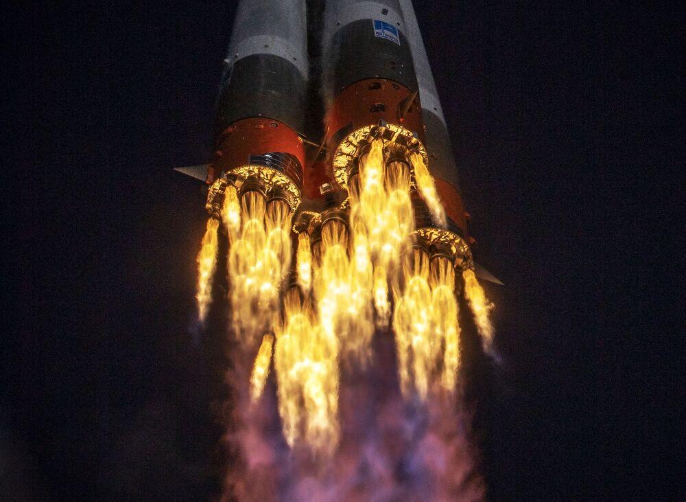 Lancio della navicella Soyuz-2-1a con la sonda Soyuz MS-17 dal cosmodromo di Baikonur