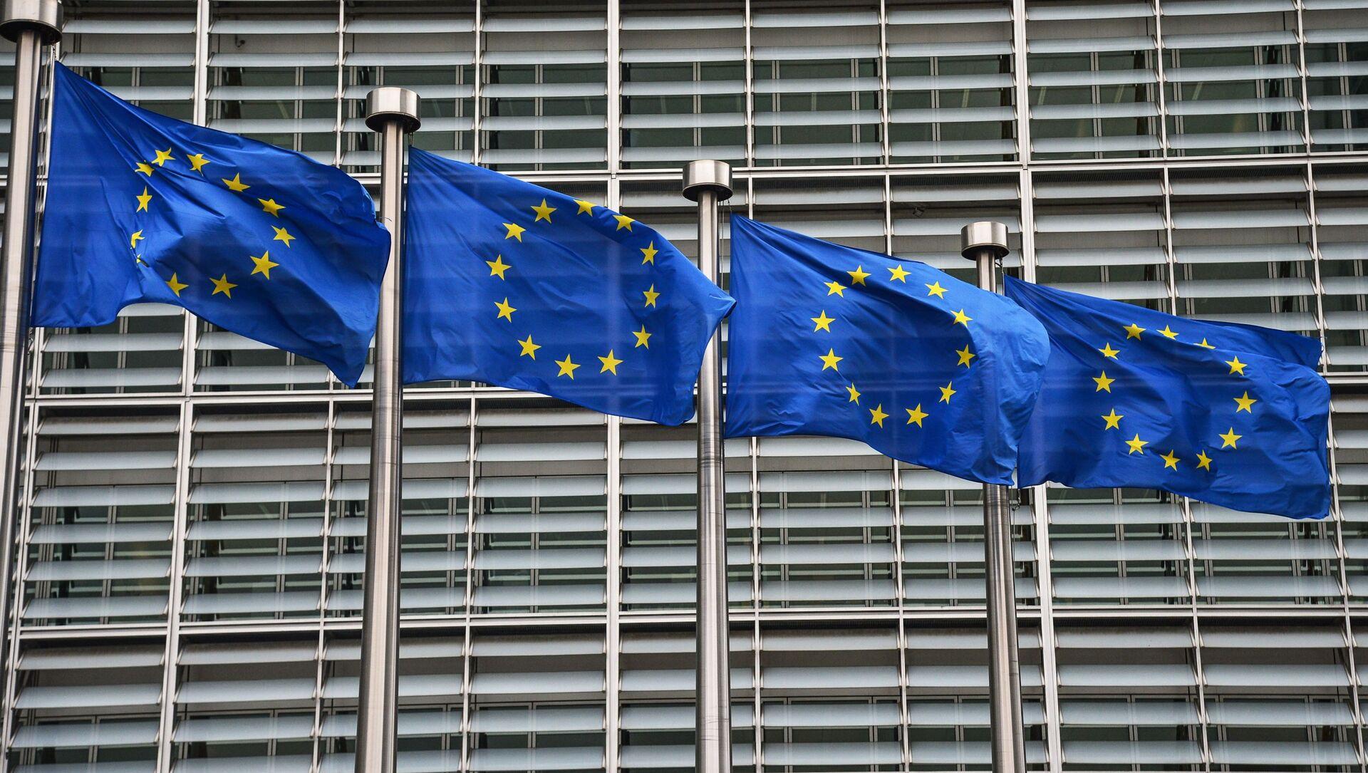 Bandiere dell'UE a Bruxelles - Sputnik Italia, 1920, 23.04.2021