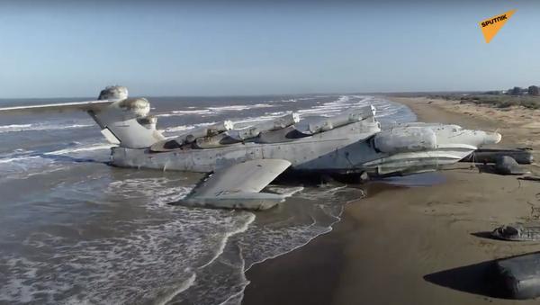 Russia: ekranoplano Monster dell'epoca sovietica abbandonato sulla costa del Mar Caspio - Sputnik Italia