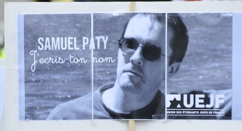 Un poster di Samuel Paty