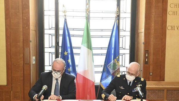 Firma dell'accordo d'intesa tra Enac e Aeronautica Militare - Sputnik Italia