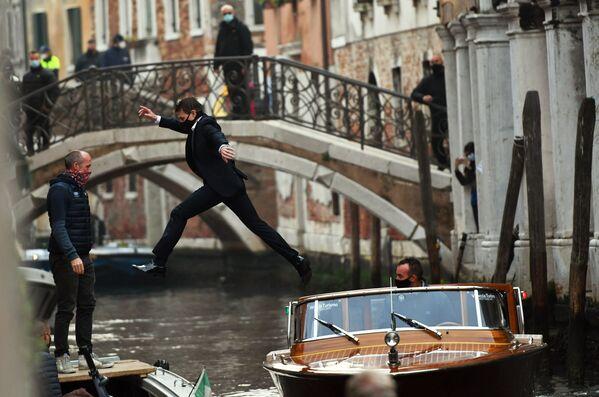 Attore americano Cruise nel corso delle riprese del film Mission Impossible: Lybra a Venezia.   - Sputnik Italia