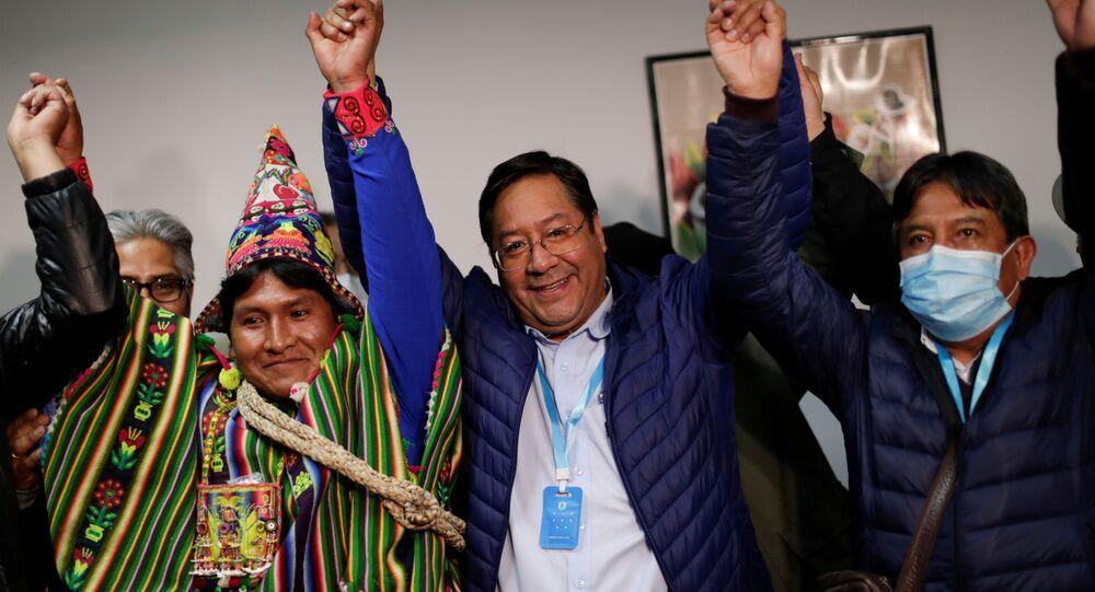 Il candidato presidente Luis Arce