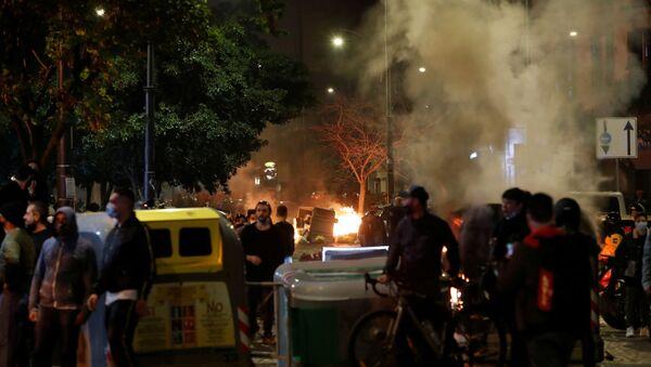 Coprifuoco, scontri a Napoli - Sputnik Italia
