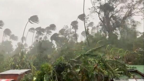 Il tifone Molave nelle Filippine.  - Sputnik Italia