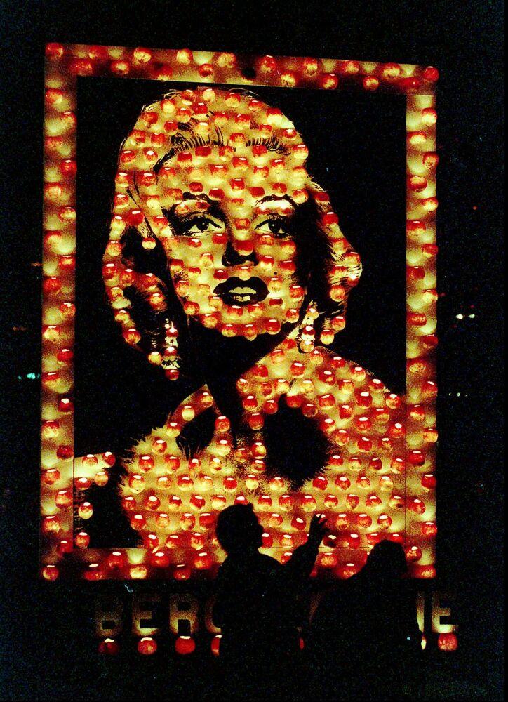 Un ritratto di Marilyn Monroe  su una zucca in Svizzera.