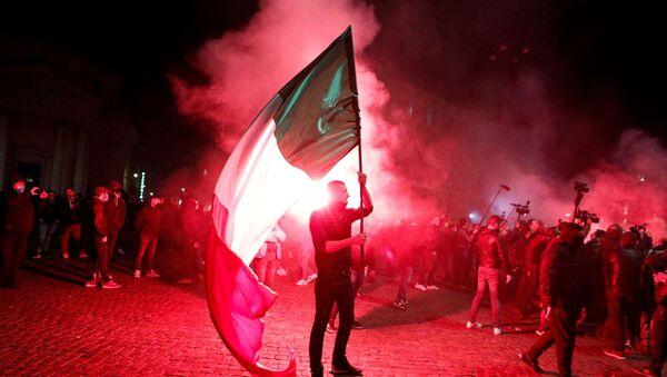Proteste anti-Covid a Roma - Sputnik Italia