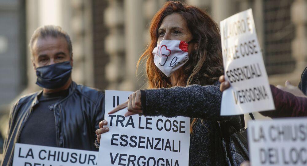 Proteste anti-Covid a Milano