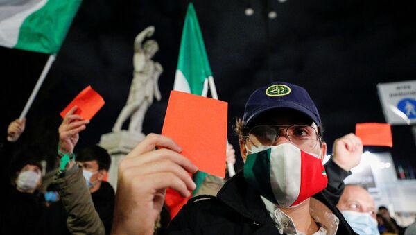 Gli italiani a Roma protestano contro le misure anti-Covid - Sputnik Italia