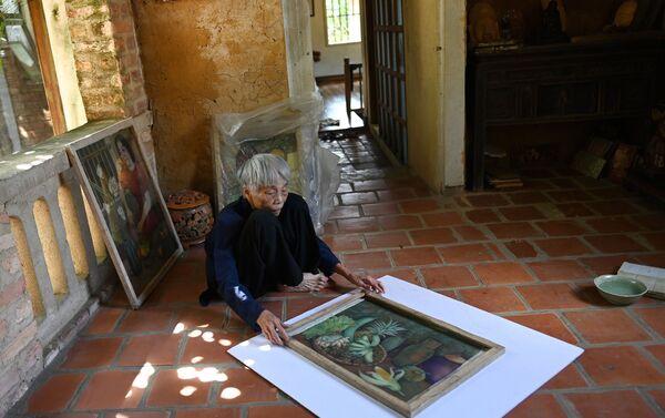 Dipinto dell'artista Vietnamita Mong Bich in mostra ad Hanoi - Sputnik Italia