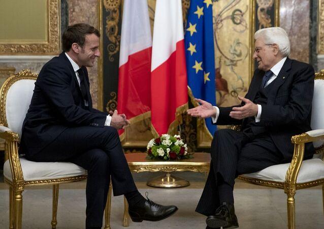 Presidente francese Emmanuel Macron e Presidente italiano Sergio Mattarella in un incontro di febbraio 2020