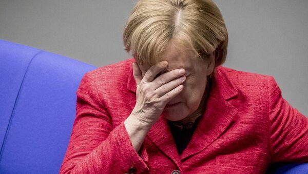 Angela Merkel al Bundestag - Sputnik Italia