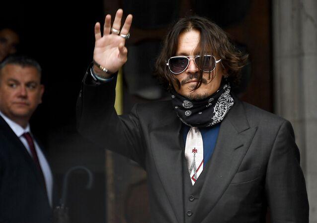 Johnny Depp al tribunale di Londra (foto d'archivio)