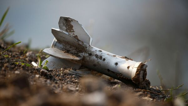 A view shows a fragment of an artillery shell at the fighting positions of ethnic Armenian soldiers on the front line during a military conflict against Azerbaijan's armed forces in the breakaway region of Nagorno-Karabakh, October 20, 2020 - Sputnik Italia