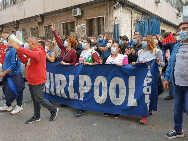 Whirlpool, la battaglia dei lavoratori contro la chiusura della Whirlpool di Napoli continua, Italia - Sputnik Italia
