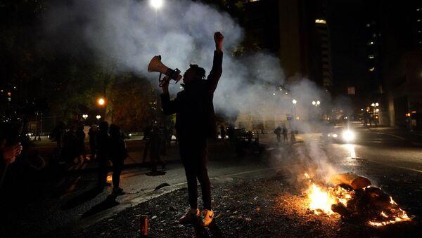 Elezioni USA. Proteste a Portland. - Sputnik Italia