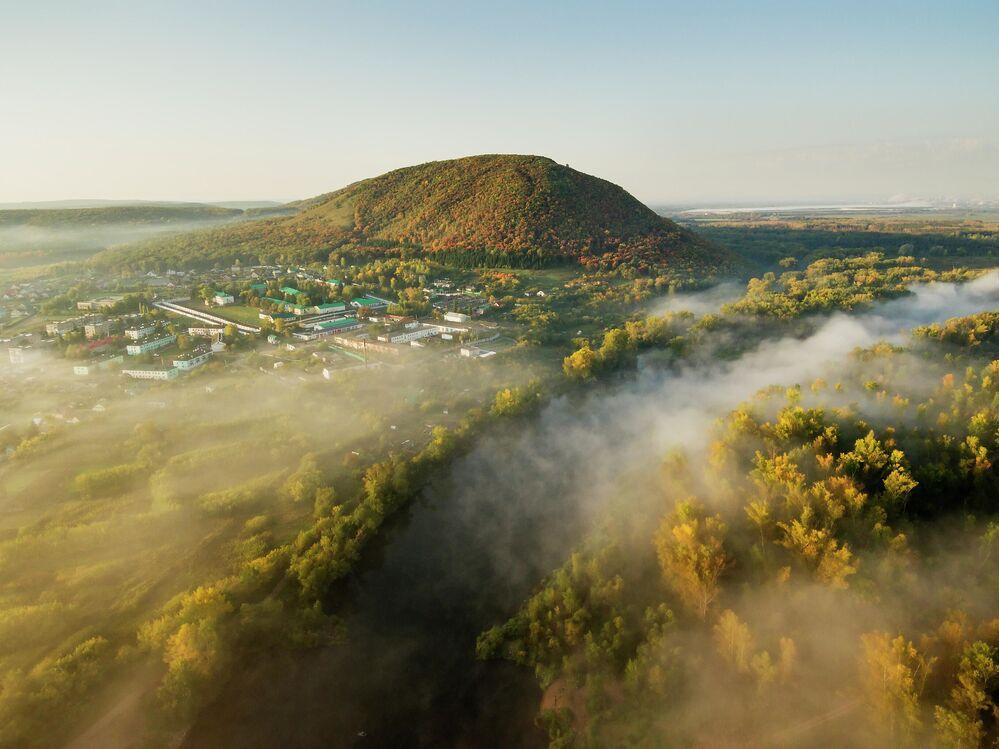 Vista sul Monte Kushtau nella Repubblica dei Baschiri, Russia.