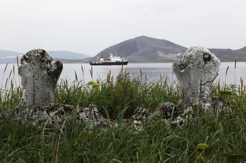 Il vicolo delle balene, un antico santuario eschimese sull'isola di Itygran nel circondario autonomo della Čukotka, Russia.