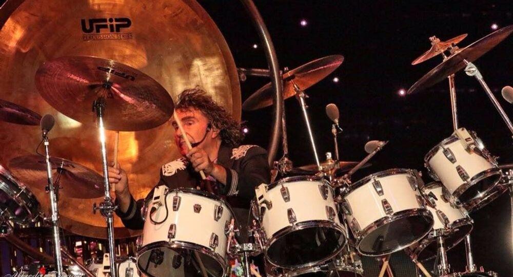 Stefano D'Orazio, batterista, strumentista, autore e scrittore dei Pooh