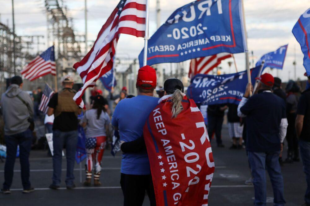 Una manifestazione pro-Trump Frenate il furto a Phoenix, USA