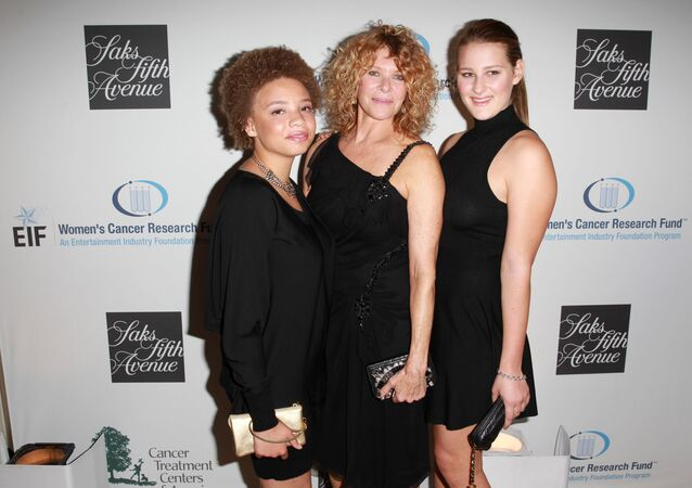 Kate Capshaw, Mikaela George Spielberg e Destry Allyn Spielberg