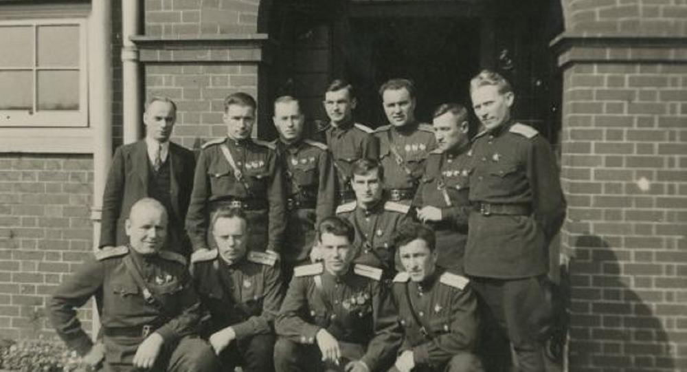 Aviatori sovietici in Scozia (foto d'archivio)