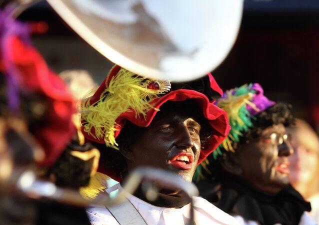 Zwarte Piet, l'aiutante nero di Babbo Natale