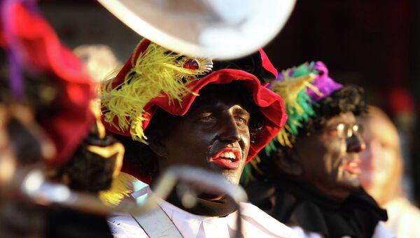 Zwarte Piet, the companion of Saint Nicholas - Sputnik Italia