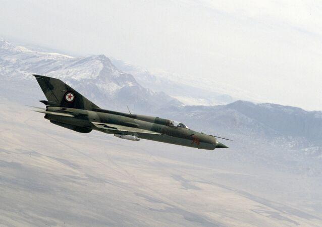 Un MiG-21 (foto d'archivio)