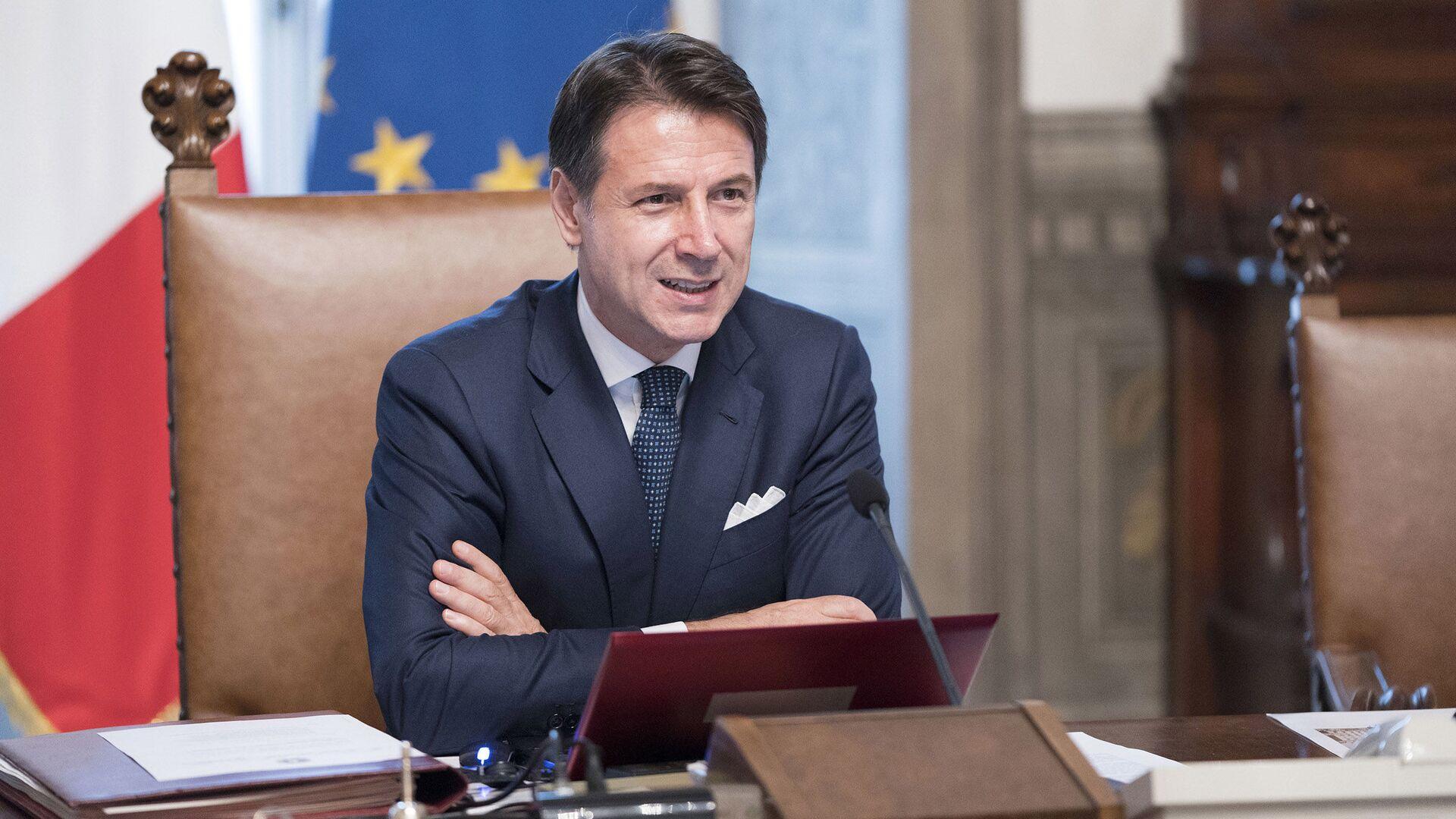 Riunione del primo Consiglio dei Ministri, Il Presidente del Consiglio, Giuseppe Conte. - Sputnik Italia, 1920, 24.07.2021