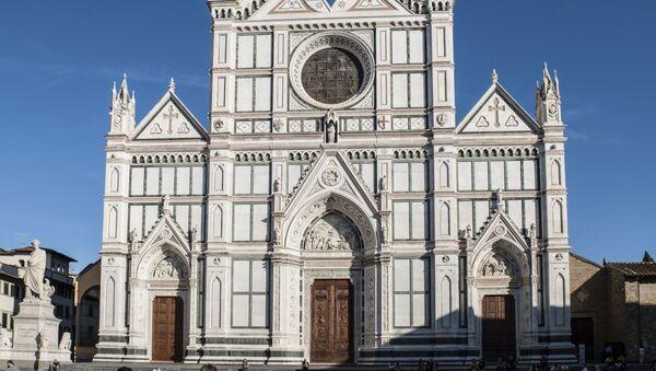 Facciata della Basilica di Santa Croce, Firenze - Sputnik Italia