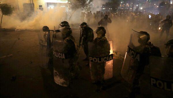 Proteste in Perù contro il nuovo governo - Sputnik Italia